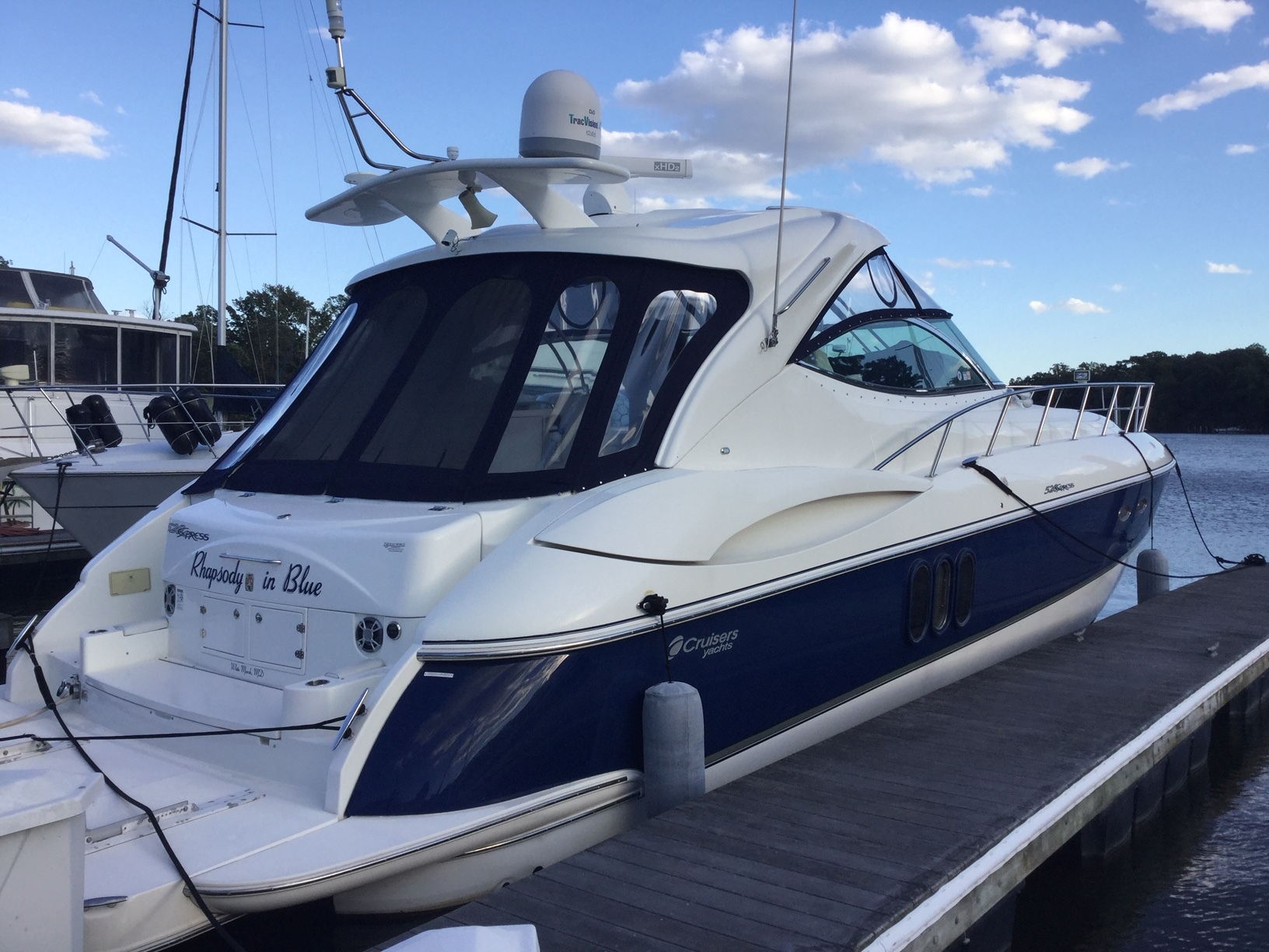 2006 CRUISERS 520 EXPRESS